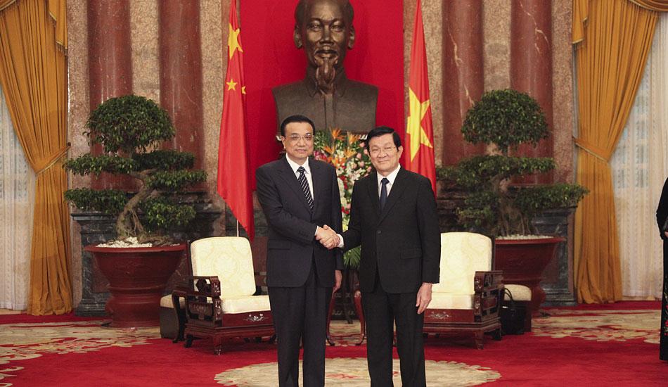 李克强会见越南国家主席张晋创