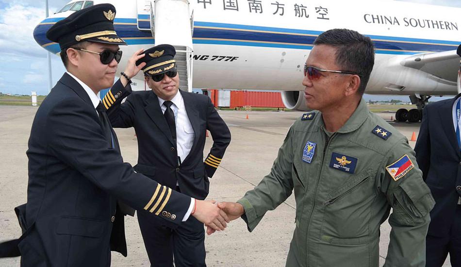 菲官员感谢中国援助菲灾民急需物资