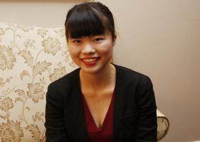 90后女孩成加拿大最年轻华人国会议员 吁青年参政
