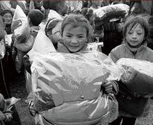 2013年雅安地震救援捐助 探路者在行动