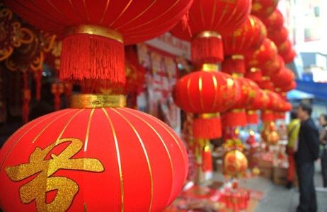 """""""中国的春节象征着新的一年开始了,我也要马年大吉。""""泰国女孩柯雪笑着说,中国的春节充满了爱的味道。"""