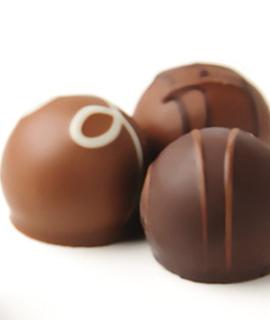 双节合璧巧克力、玫瑰馅元宵热卖
