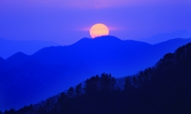 《日落西峡》 摄影:刘国林