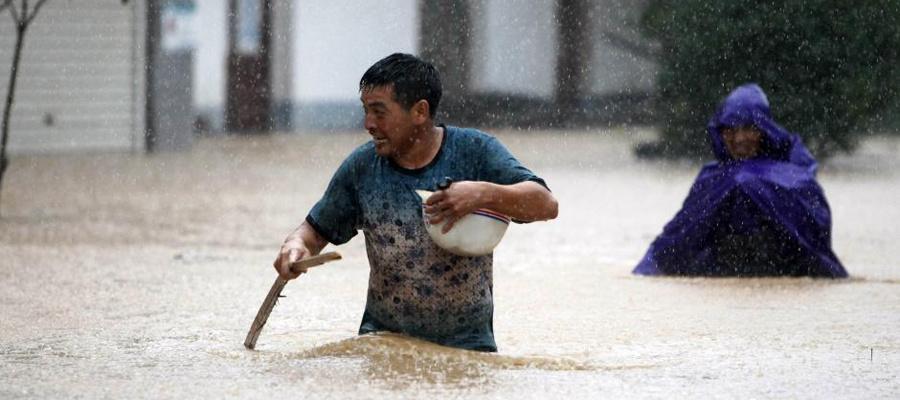 """台风""""麦德姆""""致江西逾十万人受灾 多地被淹"""