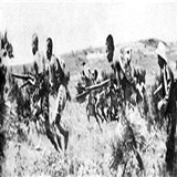 游击队向日军发动猛烈攻击