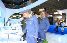 美媒:中国枭龙战机获首笔订单