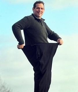 男子一年减肥近百公斤 曾被自己照片吓到