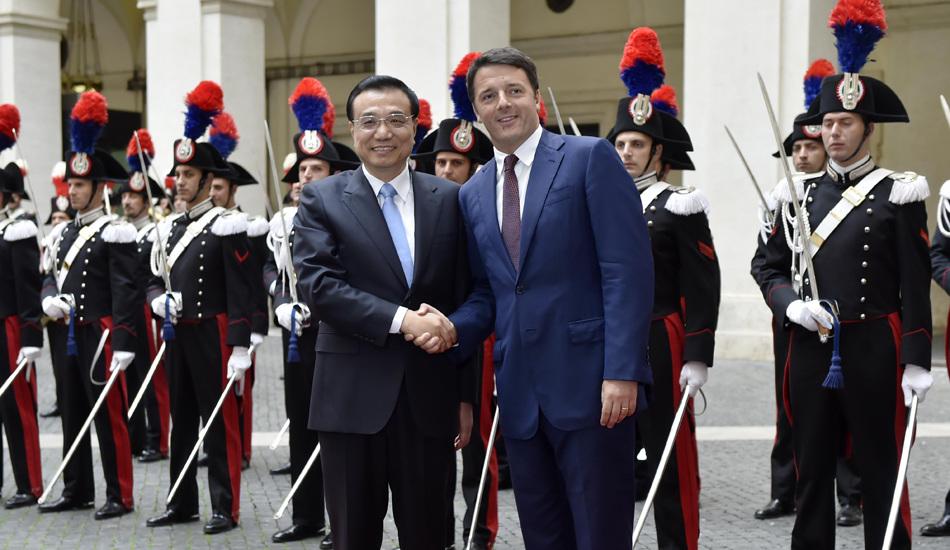 意大利总理为李克强举行欢迎仪式