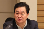 新华网总裁田舒斌