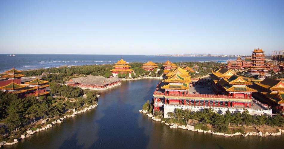三仙山风景区位于蓬莱黄海之滨,与长山列岛隔海相望