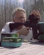 <b>竞选者流行用枪支拍广告</b>