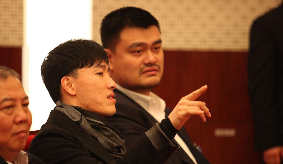 姚明、刘翔列席政协上海市第十二届委员会第三次会议