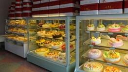 味多美蛋糕未标注保质期 消费者诉十倍赔偿
