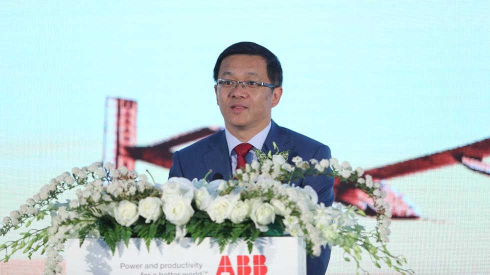 ABB集团高级副总裁、ABB(中国)董事长兼总裁顾纯元博士发言