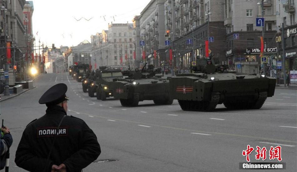 俄罗斯为胜利日阅兵继续彩排