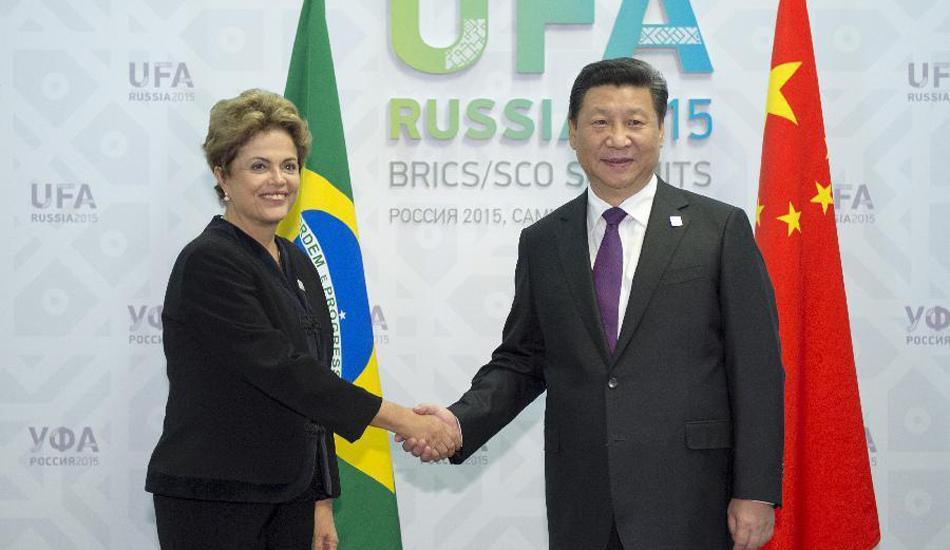 习近平会见巴西总统罗塞夫