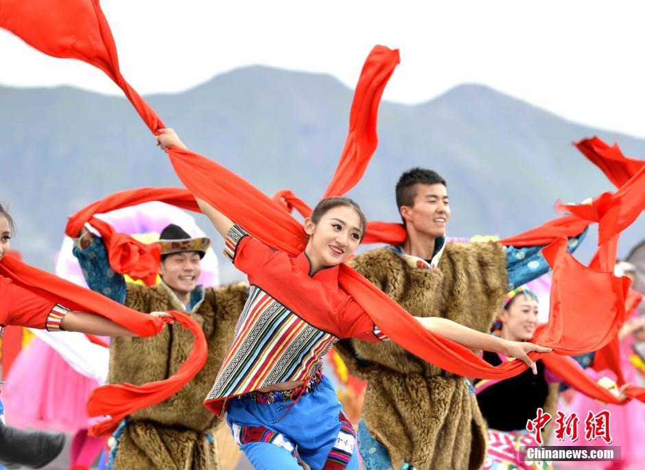 央视心连心艺术团西藏慰问演出