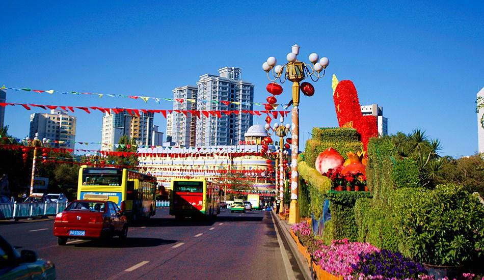 新疆乌鲁木齐节日气氛浓烈