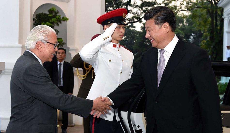 习近平会见新加坡总统陈庆炎