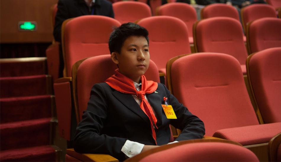深圳政协会议开幕 13岁少年列席两会成焦点