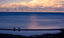 《新疆赛里木湖》摄影:蔡宁