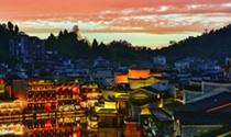 《夕下凤凰城》摄影:刘怡辰