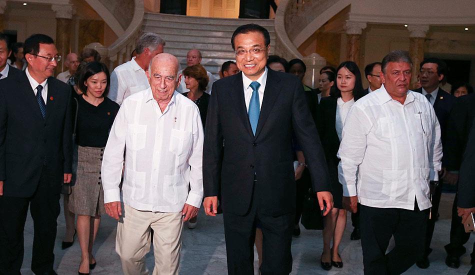 """李克强与古巴领导人出席中古""""手拉手・中拉文化交流年""""活动"""