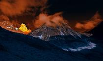 《东方圣山》 摄影:张为民