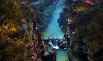《幽幽的红石谷》 摄影:张艳