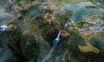 《广东大峡谷》组图  摄影:缪华