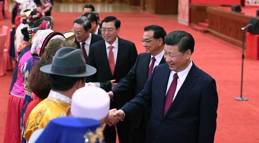 党和国家领导人出席两会少数民族代表委员茶话会