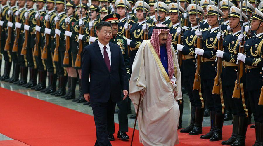 习近平举行仪式欢迎沙特国王萨勒曼访华