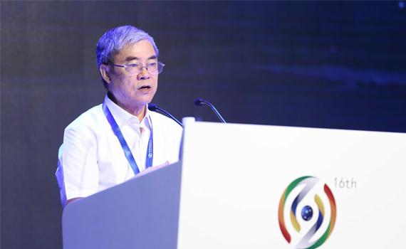 中国互联网协会理事长邬贺铨致欢迎词
