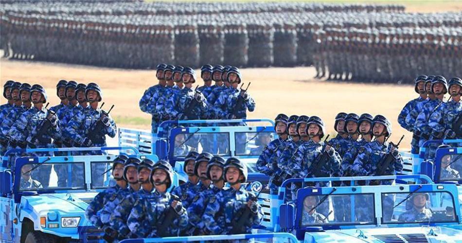 海军陆战队方队亮相建军90周年阅兵现场