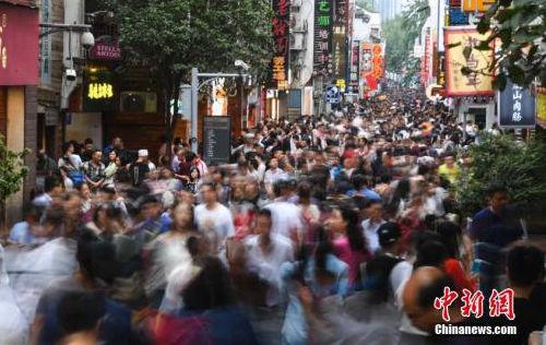 黄金周市场繁荣 零售餐饮企业实现销售额约1.5万亿