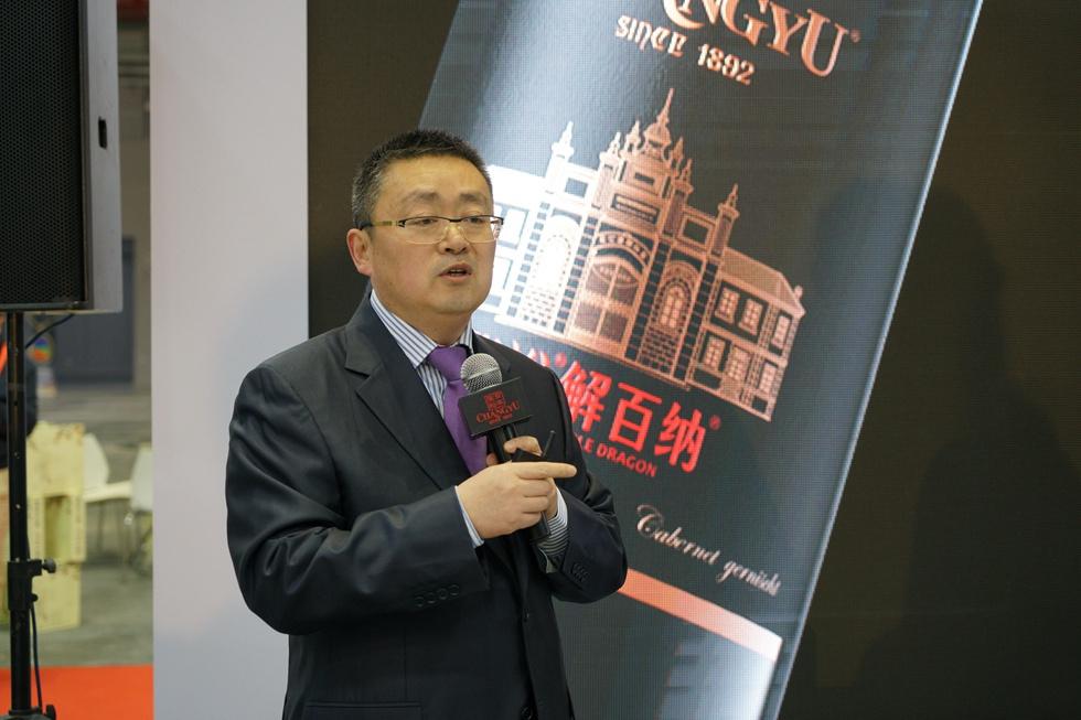 张裕公司副总经理孙健:未来5年左右的时间,张裕解百纳年销售量可望从3000万瓶上升到5000万瓶。