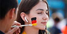 德国对墨西哥前球迷狂欢