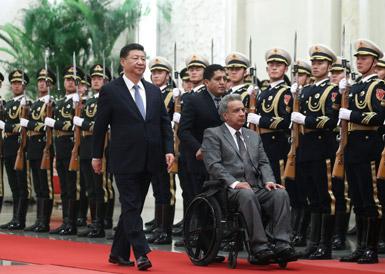 习近平同厄瓜多尔总统莫雷诺举行会谈