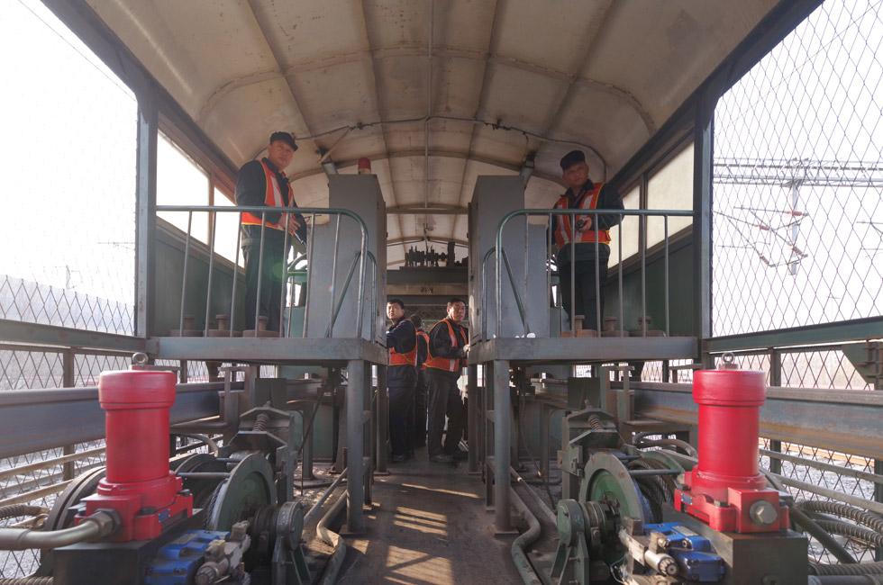 春运尾声 部分铁路区段迎换轨大修