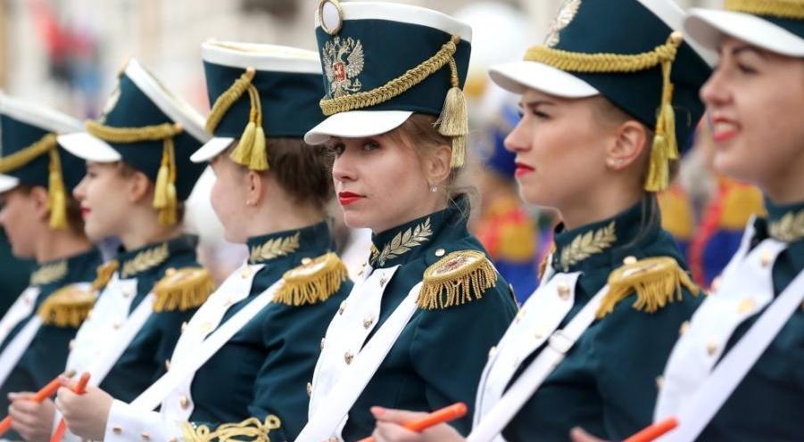 俄罗斯圣彼得堡庆祝建城巡游活动