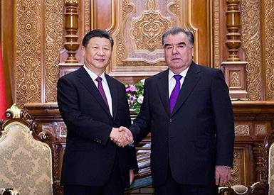 习近平同塔吉克斯坦总统拉赫蒙会谈