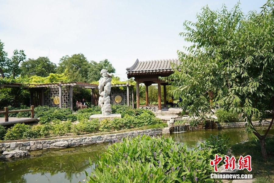 """北京前门三里河现""""小桥流水人家""""景象。中新网记者 刘湃 摄"""