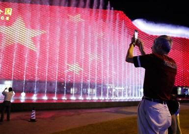 《我和我的祖国》音乐喷泉亮相上海