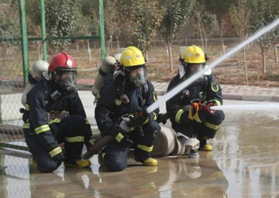 """新疆喀什消防""""火焰蓝""""绽放新光芒"""