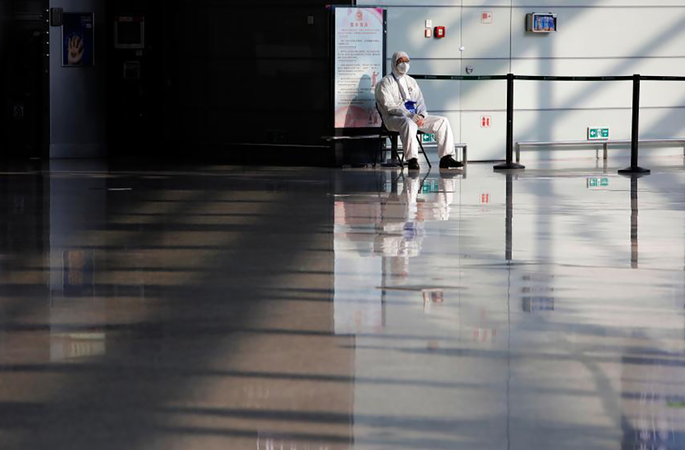 直击暂停所有境外航班后的上海虹桥机场