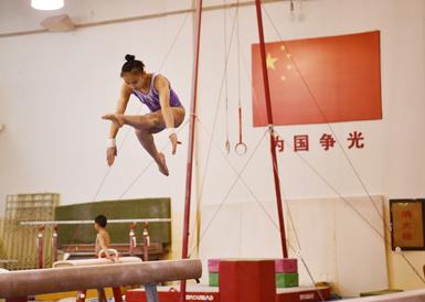 四川体操运动员紧张备战全运会