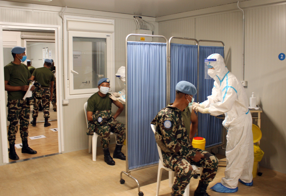 中国赴黎维和医疗分队完成联黎部队第二剂新冠疫苗接种任务