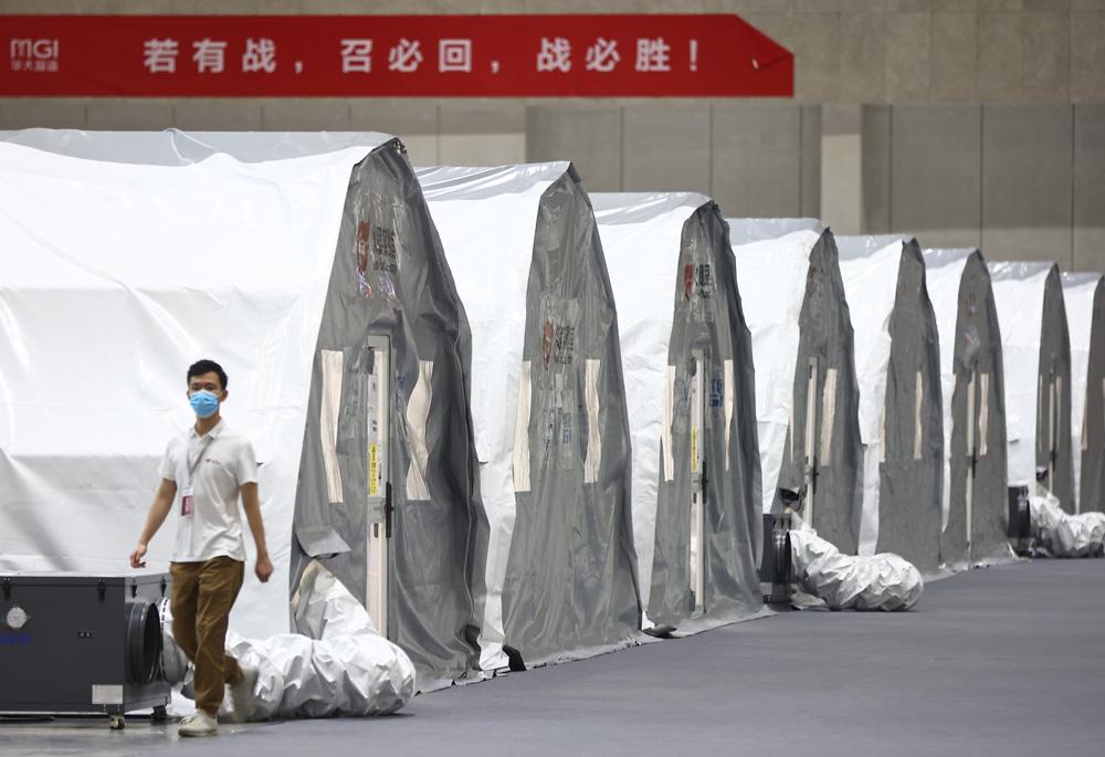 """南京搭建8000平方米""""火眼""""实验室 单日核酸检测量可达200万人份"""