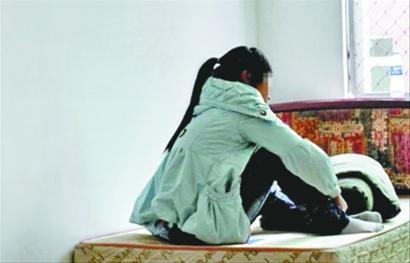 日本小姐上门服务被强奸_17岁少女被拐卖3年生子 趁买菜机会逃脱(图)
