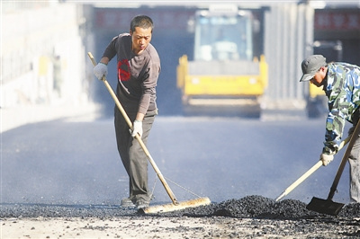 """媒体称中国务工者大多不知何为""""带薪年休假"""""""